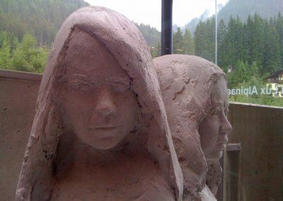 """die 3 Schwestern"", Gips, Holz,  H/B/T  ca. 150/60/60 cm,  2010"